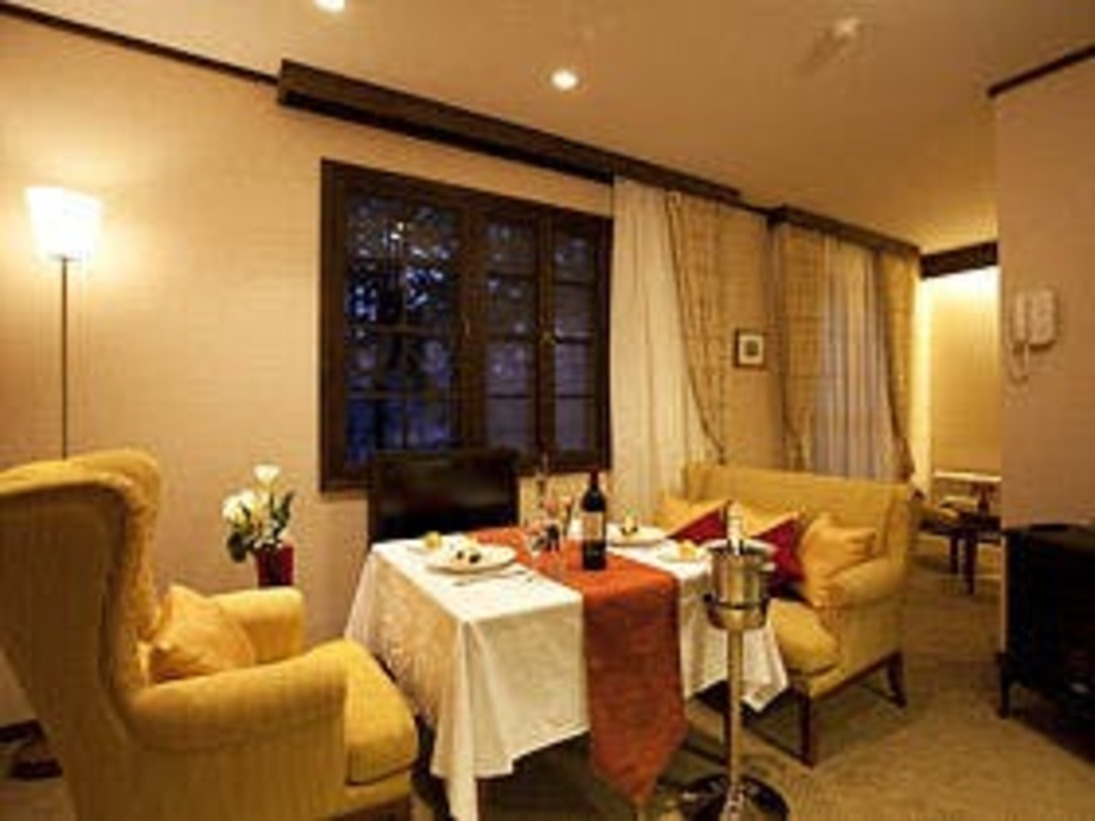【エグゼクティブツイン・リビング】北海道の一流家具を使用。