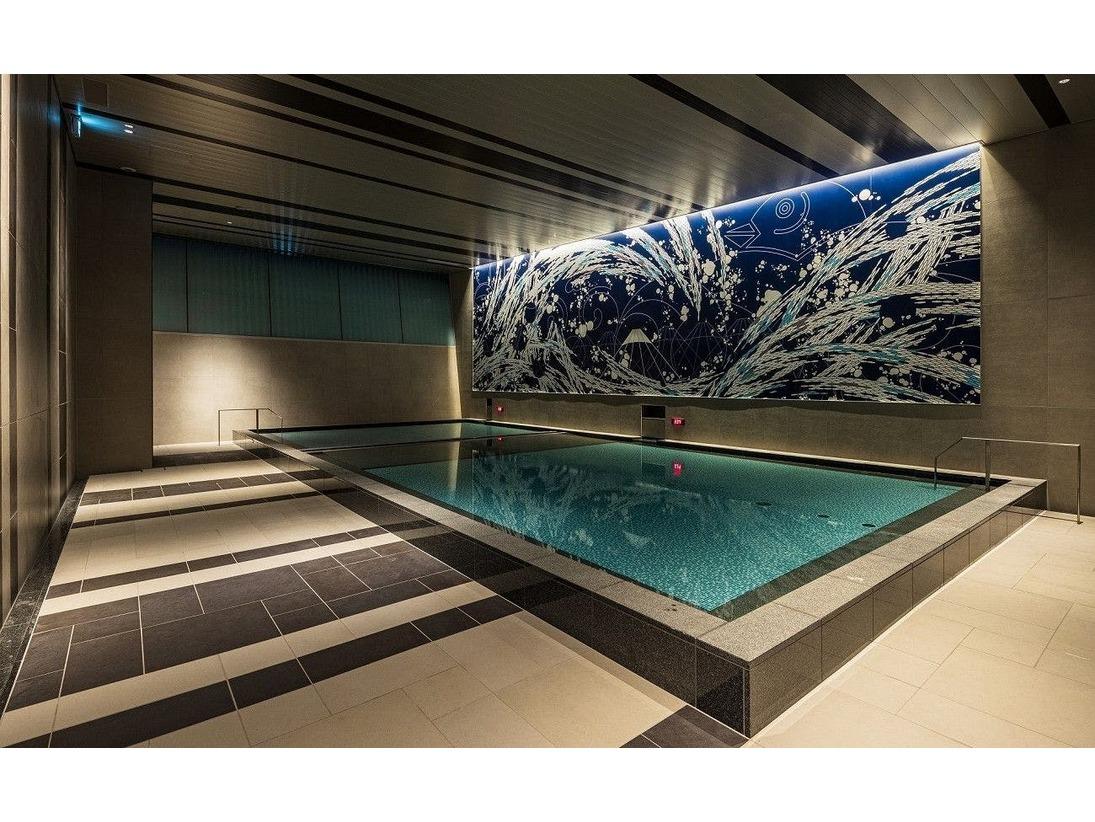 【「潮の湯」(男湯)】開放的な大浴場。ドライサウナ、水風呂がございます