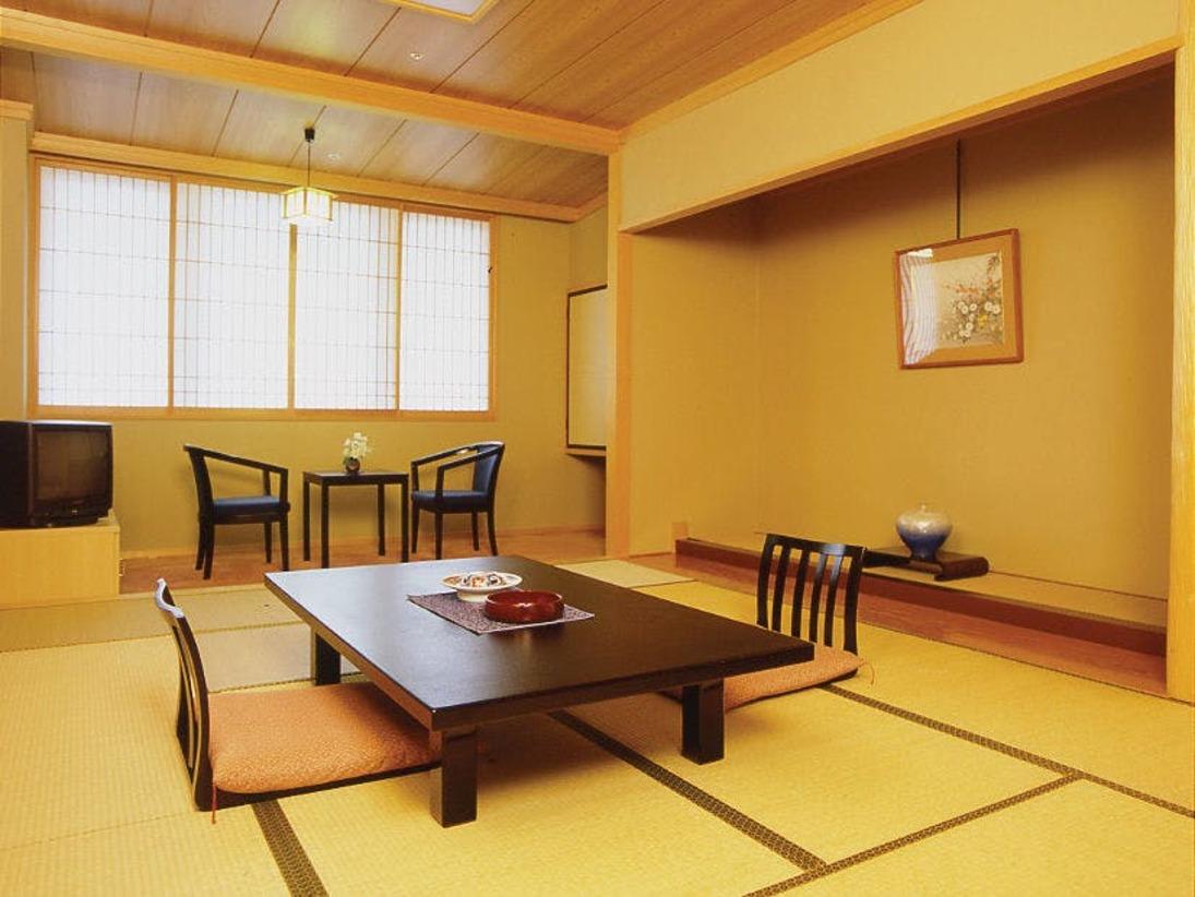 東館和室12畳間客室