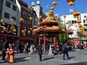 【南京町】神戸の中華街。食べ歩きが楽しい♪お店もたくさんあるので、どこに行こうか迷ってしまいます。南京町のHPで公式ガイドブックが見られます。