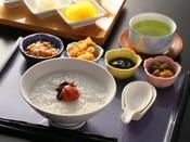 【ザ・テラス】*和食(朝食・イメージ)和食がお好みのお客様も安心。おかゆや漬物など、ほっとするメニューも豊富です。