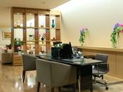 【クラブラウンジ】*チェックインデスク*クラブフロア専用カウンターは37階にあり、ゆったりとチェックインやチェックアウトが可能。