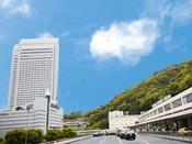 【外観】新幹線「新神戸駅」と連絡通路で直結!!地下鉄「新神戸駅」とも直結。ホテル内にトヨタレンタリースもあり。