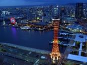 【神戸ハーバーランド】*ポートタワー*開業50有余年、展望台から神戸を360度見渡せます