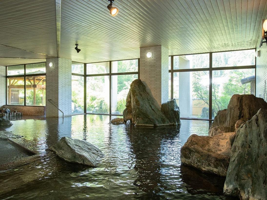 大浴場【錫杖の湯】開湯1300年の錫杖から湧きでた伝統の天然温泉です。