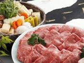 【三田牛すき焼き】三田牛をたっぷり使用した贅沢なすき焼き。