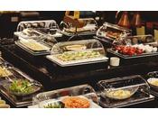 お料理は回転式カバー等を用い、蓋をしている状態でご提供いたします。