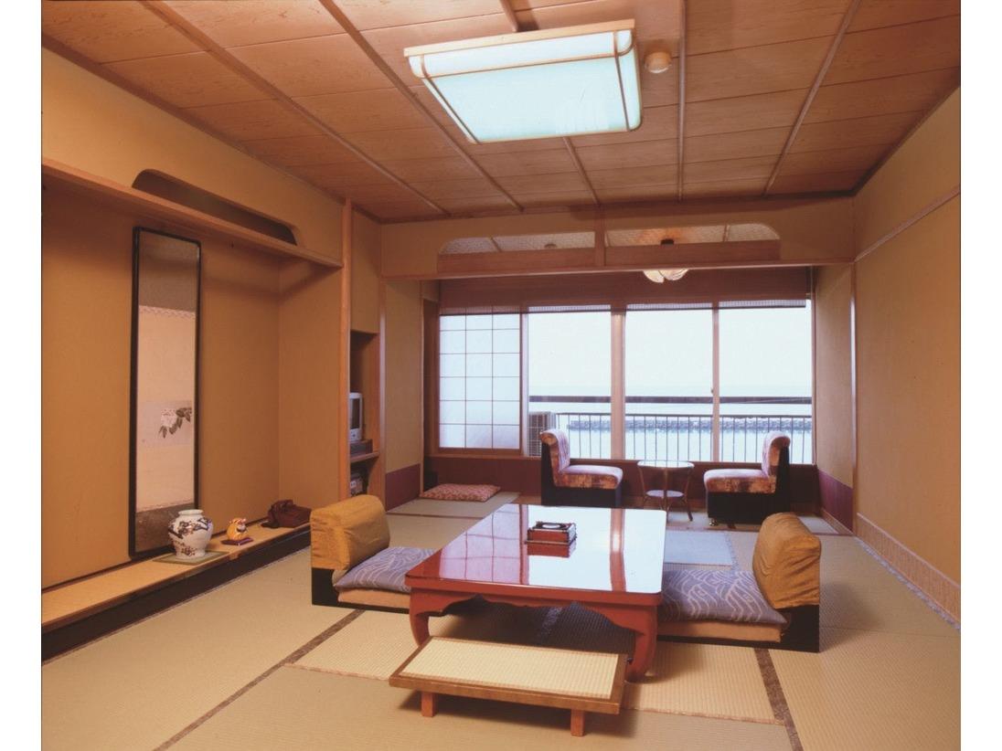一般客室 『花しょうぶ』(和室10畳+広縁)