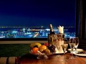 本館24階プレミアスイートからの夜景(イメージ)神戸空港や海を一望できます。