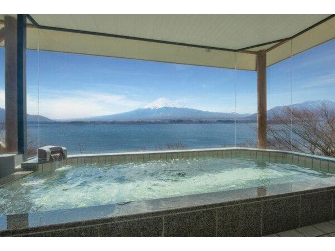 露天風呂付き富士展望浴場(男性内風呂)