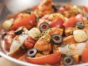 【創作イタリアン 秋】若鶏のピリ辛トマト煮込み カチャトーラ風