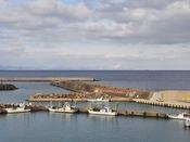 【下風呂港】海の向こうに北海道が望めます