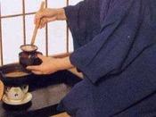 【朝食一例】温かいお味噌汁をお部屋でお召し上がり下さい。