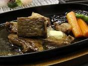 ◆和牛ステーキ(イメージ)/旬の会席料理とあわせて、ボリューム満点なお食事をお楽しみください。