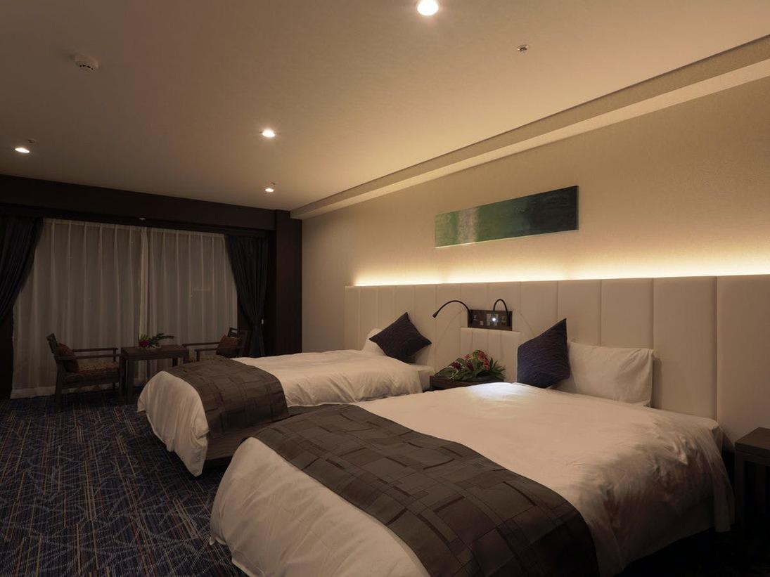 【グランデルーム】スタッキングベッド2台利用でベッド4台横並び可能。添寝安心(4名様利用の場合)