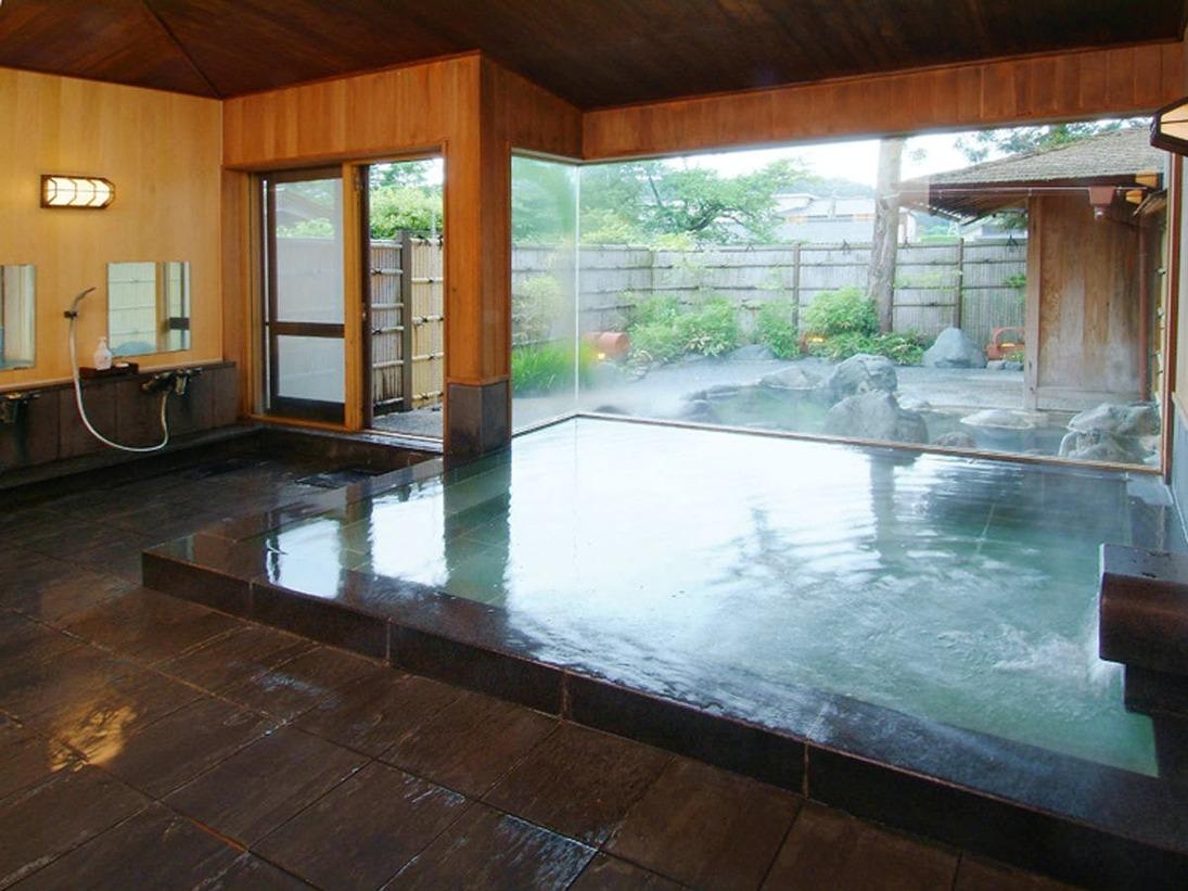 24時間入浴可能な天然温泉掛け流し