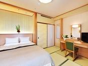 落ち着きのある純和風の客室でプライベートな時間を快適に過ごしていただけるよう、ゆとりのある空間をご用意しました。寝具はダブルベッドをご用意しております。