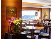 エグゼクティブフロア「オーバルクラブ」。滞在そのものがステイタスとなる上質な空間で、洗練されたサービスを満喫していただけます。67の個性溢れる客室と専用クラブラウンジでお客様をお迎えいたします。
