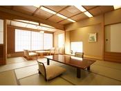■西館和室12.5帖■日本庭園を眺める客室 バストイレ付【喫煙可】和室12.5帖+広縁+ユニットバス+シャワートイレ付。