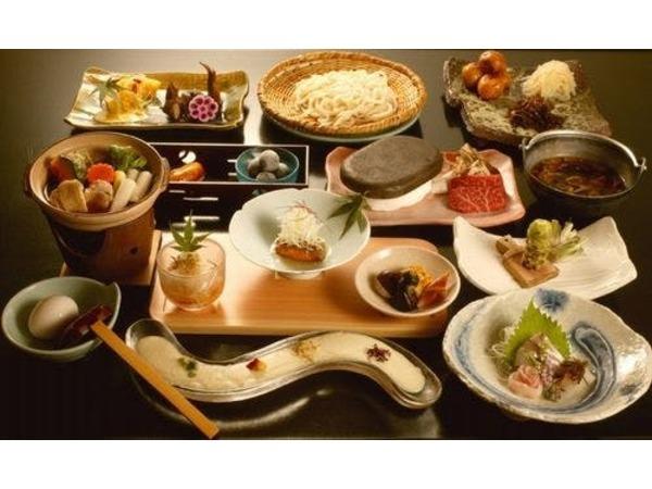 四季に応じた信州創作和食のコース料理