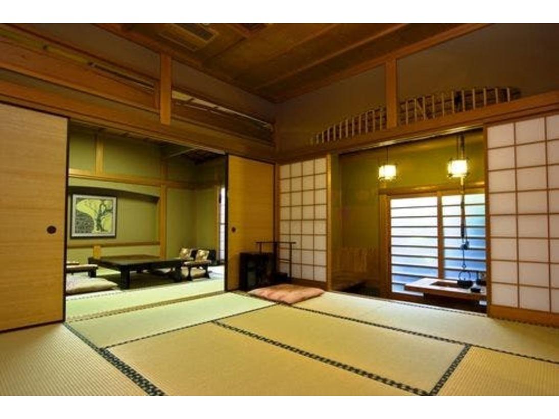 離れ「秋水・梅杏」は10畳+10畳の二間続きの純和風客室(定員6名様)