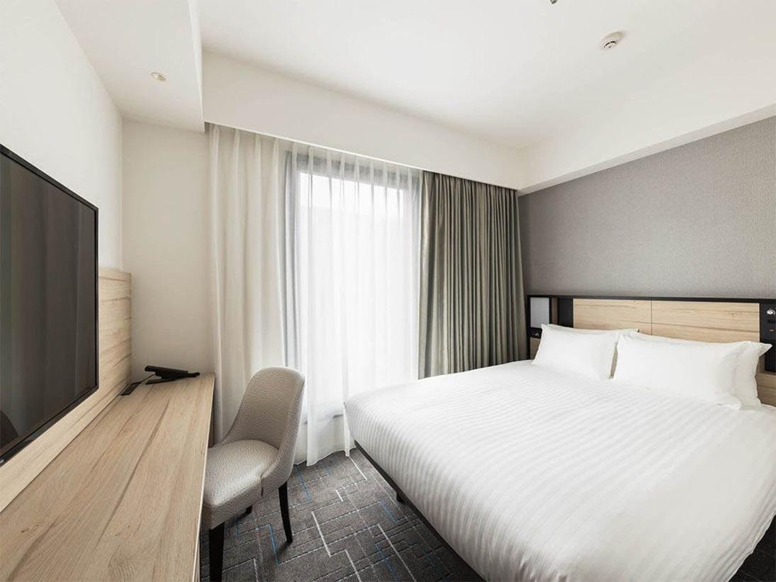 【客室】スーペリアダブル ・部屋広さ…18m2・宿泊人数…1~2名・ベッド幅…160cm