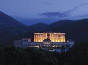 ホテル外観(ライトアップ)