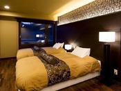 瑠璃:ベッド