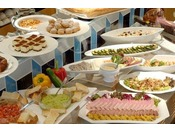 SOCOでのディナーバイキング(イメージ) 約50種類のお料理をご用意いたしております。※季節によって料理内容は異なります。