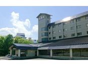 秋田駒ケ岳の中腹で乳頭温泉郷へ向かう途中にあるホテルです。