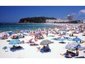 【白良浜】夏になると海水浴のお客様が多くいらっしゃいます。