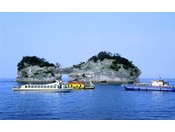 【グラスボート】当館より車で約7分 円月島周辺の海底を観光できます