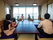 【客室イメージ】海を見ながらお子様もゆっくりお過ごしいただけます