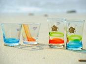 ホテルオリジナル琉球グラス。旅の思い出やお土産にお薦めです。【ショップ プルメリア】<営業時間> 7:30~22:00