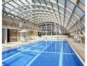 室内プールは長さ20m、幅5.5m、深さ1.15m。