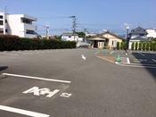 平面駐車場(90台)収容可