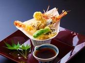 ~旬の食材の天婦羅盛り合わせ~ 海鮮や野菜など旬の食材でご提供致します。