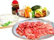 国産牛や地元の新鮮野菜でBBQをお楽しみください(写真は4人分です)