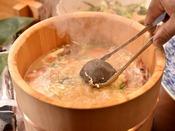 旬感沸騰石焼き桶鍋