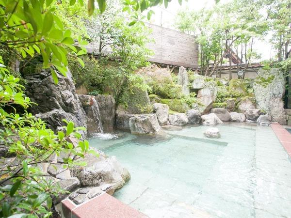 男性大浴場「豊明(ほうめい)」露天風呂