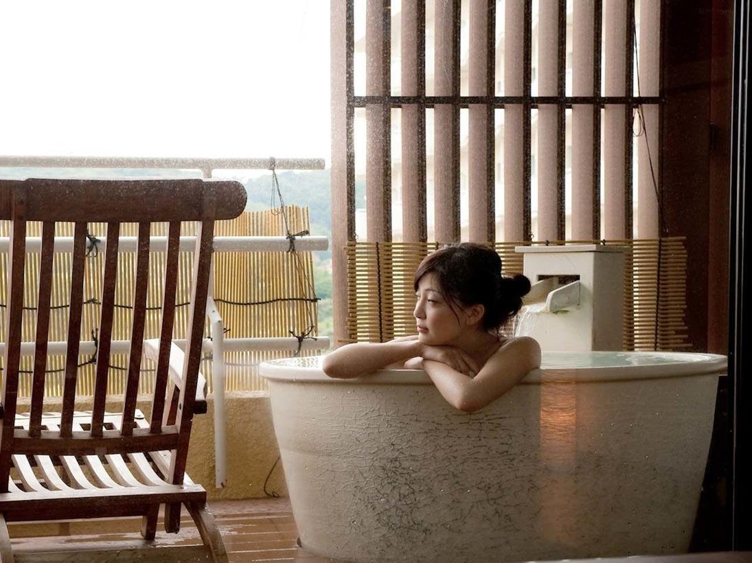 露天風呂付客室】好きな時間に好きなだけ、天然温泉をお楽しみ下さい♪