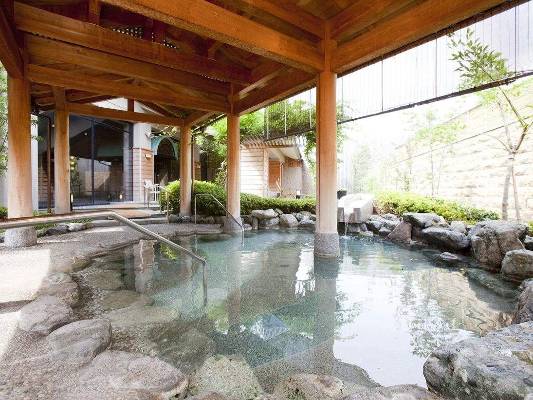 北陸最大級を誇るお風呂で温泉三昧をお楽しみ下さい。