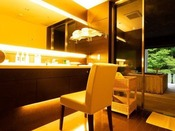 ~源泉掛け流し半露天風呂付き客室~ 明るめの照明でお化粧時にも助かります。