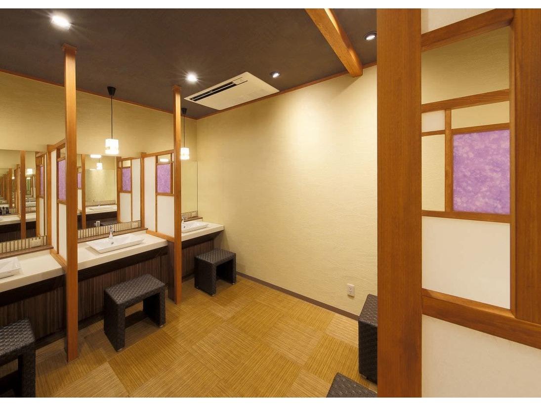 大浴場の脱衣所のパウダールーム。