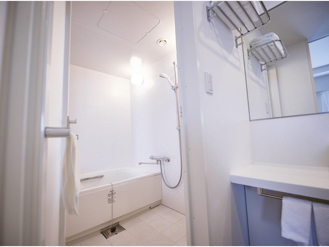 スーペリアタイプは浴室(浴槽)と洗面所(洗面台)が別になっております。