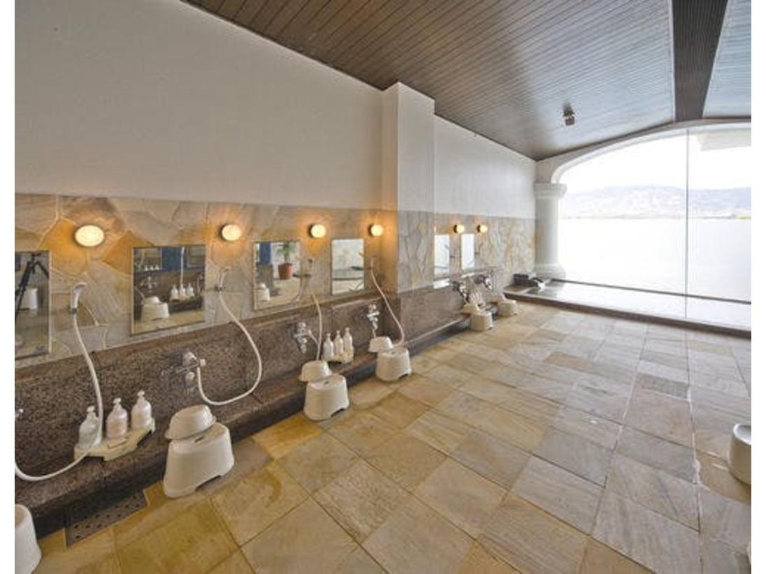 【大浴場】旅の疲れをゆったりと癒していただける大浴場。サウナも併設しています