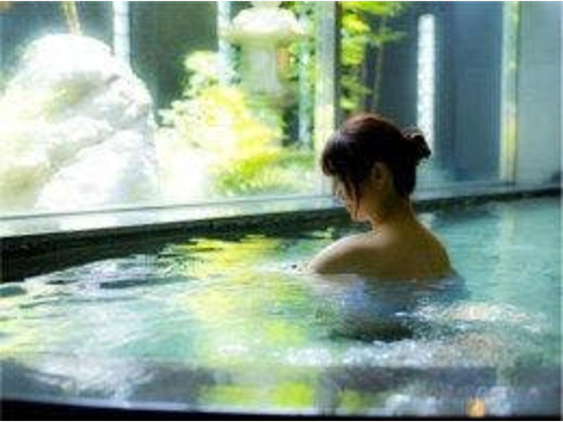温泉大浴場でくつろぎの時間♪