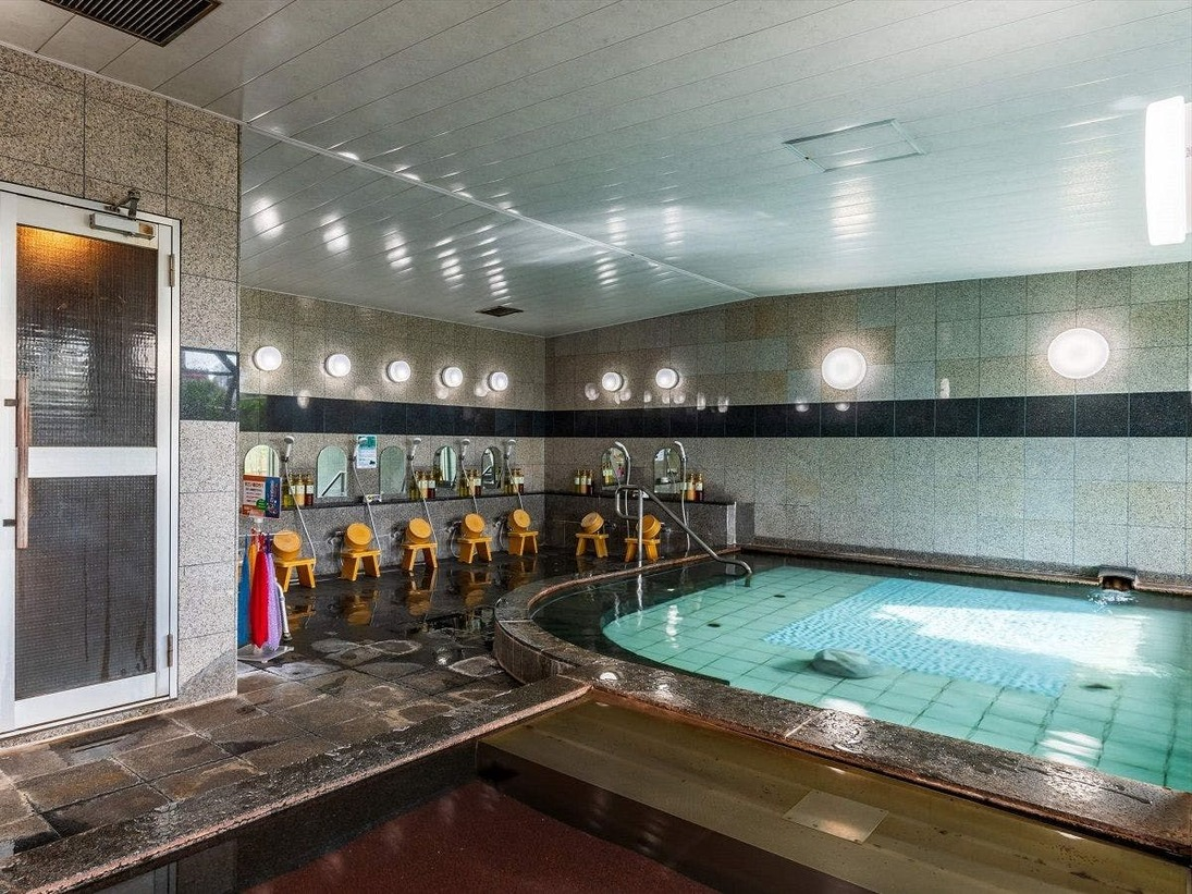 大浴場は洗い場も広々とお使い頂けます