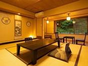 ~川側和室 本間~ 清流四万川を望む本館和室、10畳以上でご案内いたします。