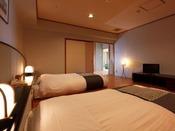 【別館】湖側グループ特別室/和室2間とツインベッドルームから成るお部屋